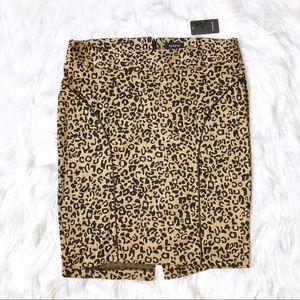 🔥 NWT Torrid Cheetah Pencil Skirt!!